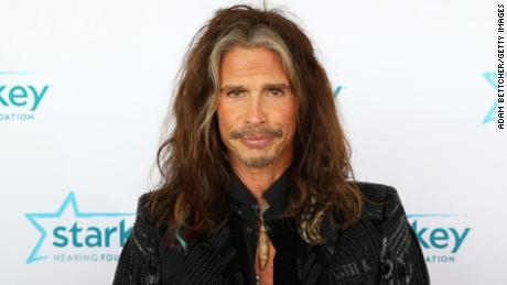 ST PAUL, MN - JULY 16: Steven Tyler walks the red carpet at the 2017 Starkey Hearing Foundation So the World May Hear Awards Gala at the Saint Paul RiverCentre on July 16, 2017 in St. Paul, Minnesota. (Photo by Adam Bettcher/Getty Images for Starkey Hearing Foundation)