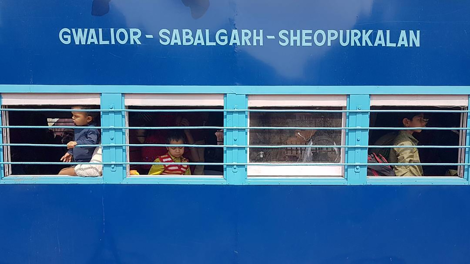 Strange View Of India From A Train Window Cnn Travel Pabps2019 Chair Design Images Pabps2019Com