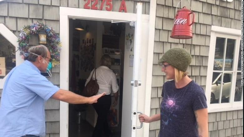 Megan Tingstrom has been offering free coffee to evacuees and firefighters at her Summerland coffee shop.