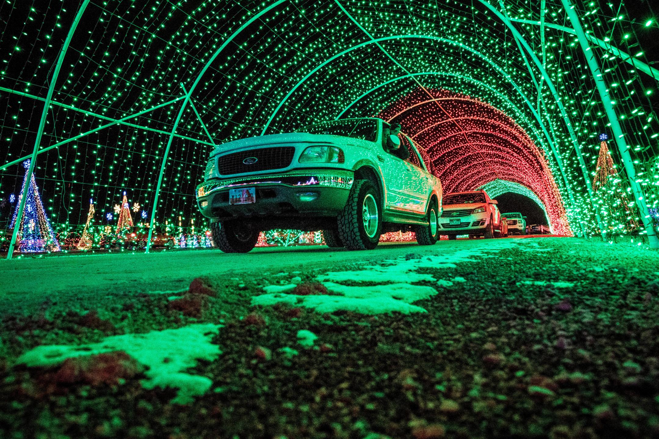 Christmas In Color.Christmas Lights Around The World 9 Spectacular Displays