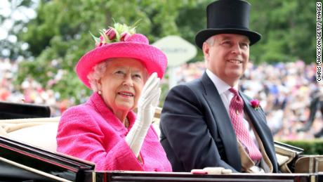 ASCOT, ENGLAND - JUNE 22: Queen Elizabeth II and Prince Andrew, Duke of York attend Royal Ascot 2017 at Ascot Racecourse on June 22, 2017 in Ascot, England.  (Photo by Chris Jackson/Getty Images)