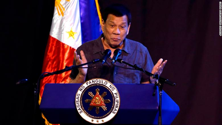 Duterte leads wrecking of smuggled luxury cars