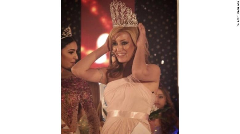 Sarah Idan winning the 2016 Miss Iraq USA pageant.