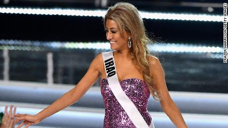 Miss Iraq forced to flee country over a selfie with Miss Israel