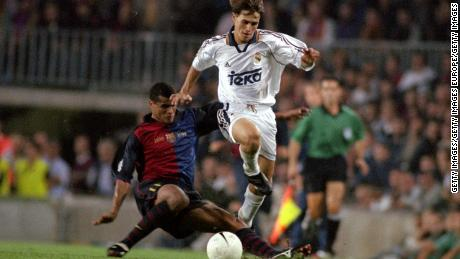 Savio playing in El Clasico in 1999