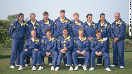 1991 European Ryder Cup team dressed in EU colors