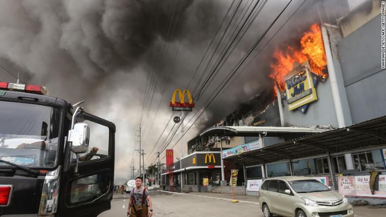 Dozens feared dead in fire at Philippine shopping mall