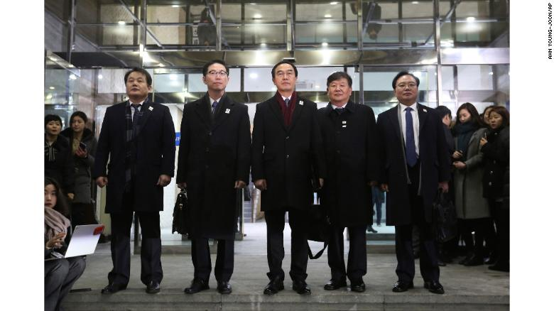 North, South Korea begin peace talks at DMZ