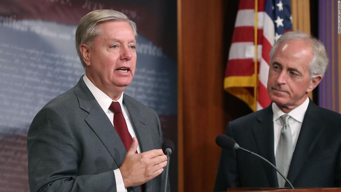 Leading senators push towards deal targeting Saudi Arabia