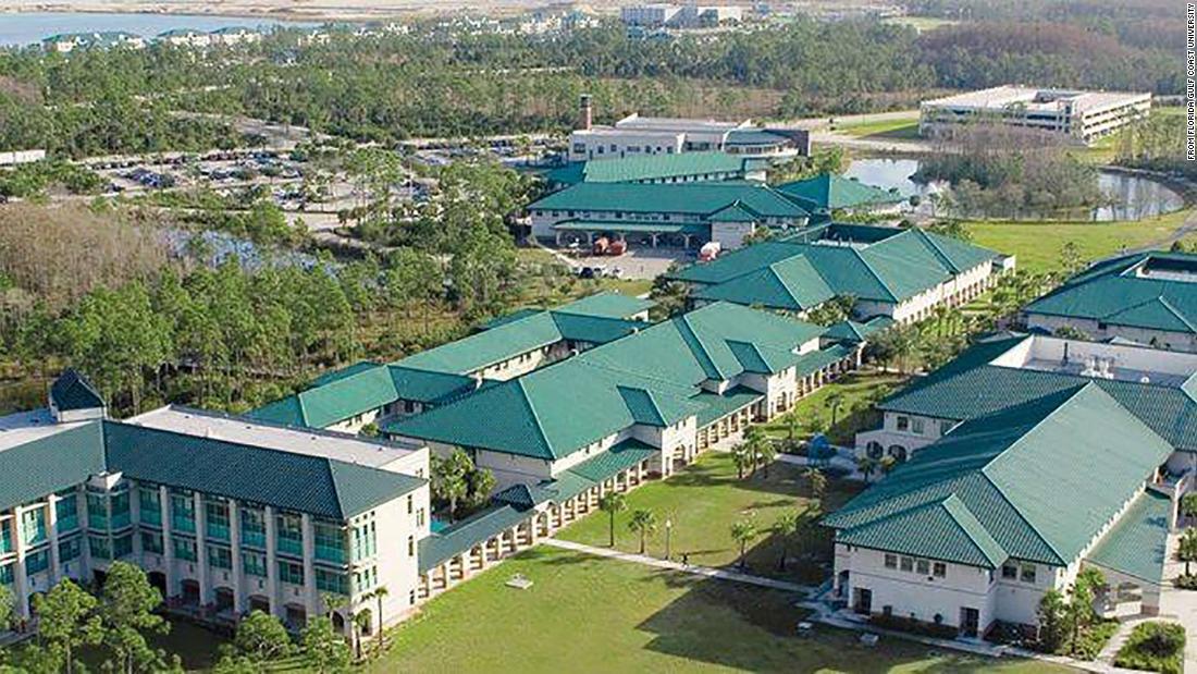 Florida Gulf Coast University offers class on 'white ...