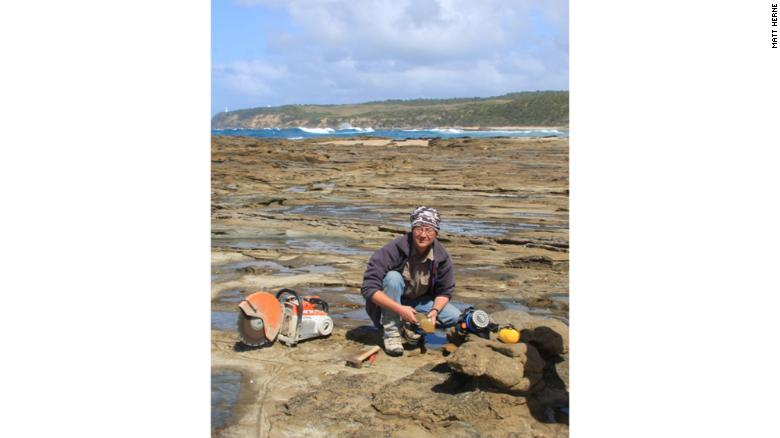 The late David Pickering near where the fossil of Diluvicursor pickeringi was discovered.