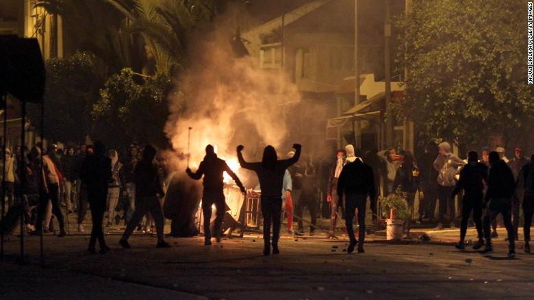 Days of unrest shake Tunisia