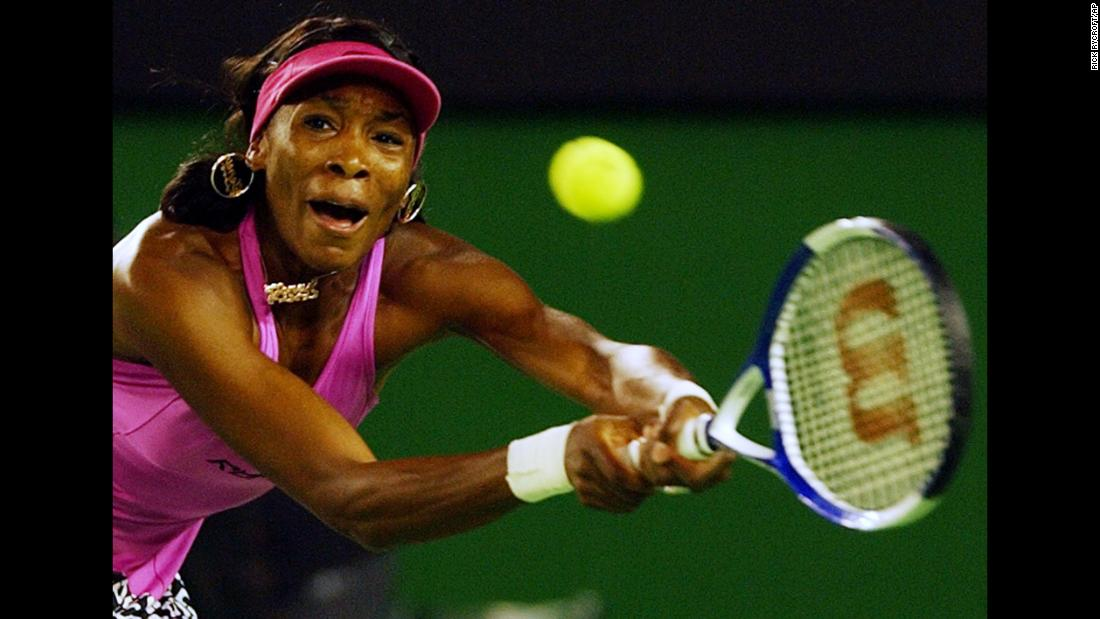 In 2005, Venus was seeded eighth but was knocked out by Alicia Molik of Australia.