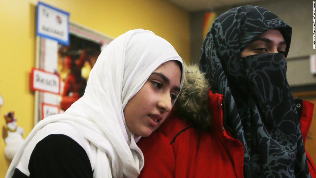 Toronto girl 'really scared' after man cuts her hijab on street