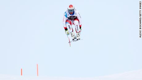 WENGEN, SWITZERLAND - JANUARY 10: Beat Feuz of Switzerland competes during the Audi FIS Alpine Ski World Cup Men's Downhill Training on January 10, 2018 in Wengen, Switzerland. (Photo by Alexis Boichard/Agence Zoom/Getty Images)