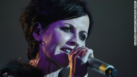 Irish singer Dolores O'Riordan of Irish band The Cranberries performs on stage during the 23th edition of the Cognac Blues Passion festival in Cognac on July 07, 2016.  / AFP / GUILLAUME SOUVANT        (Photo credit should read GUILLAUME SOUVANT/AFP/Getty Images)