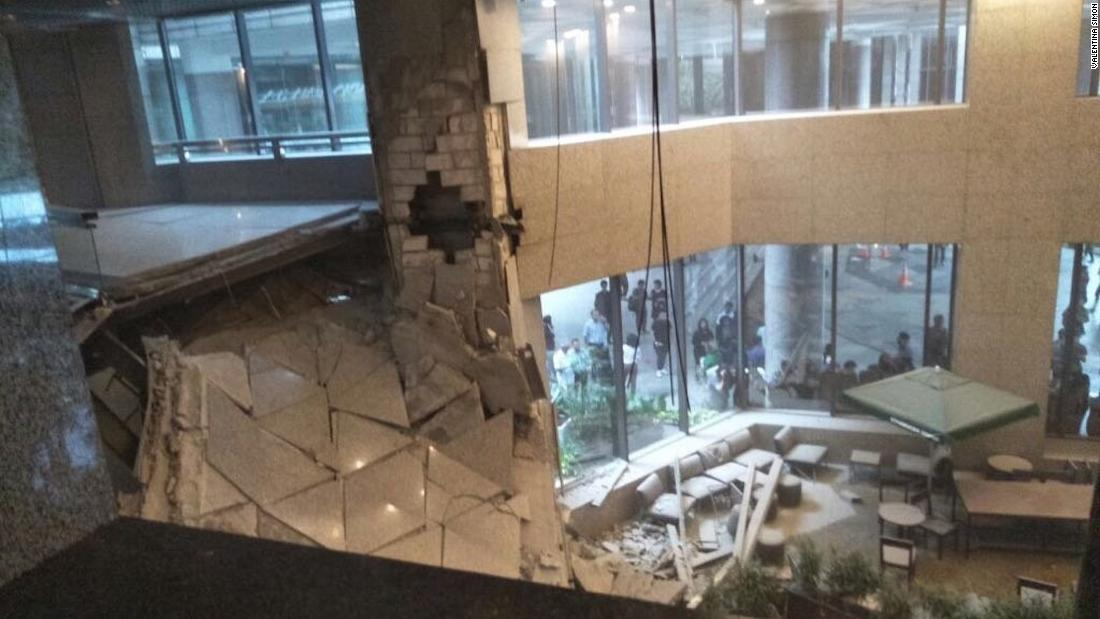 Floor Collapses At Jakarta Stock Exchange Dozens Injured