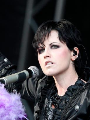 """英国警方称,歌手多洛丽丝·奥里奥丹的死""""不值得怀疑"""""""