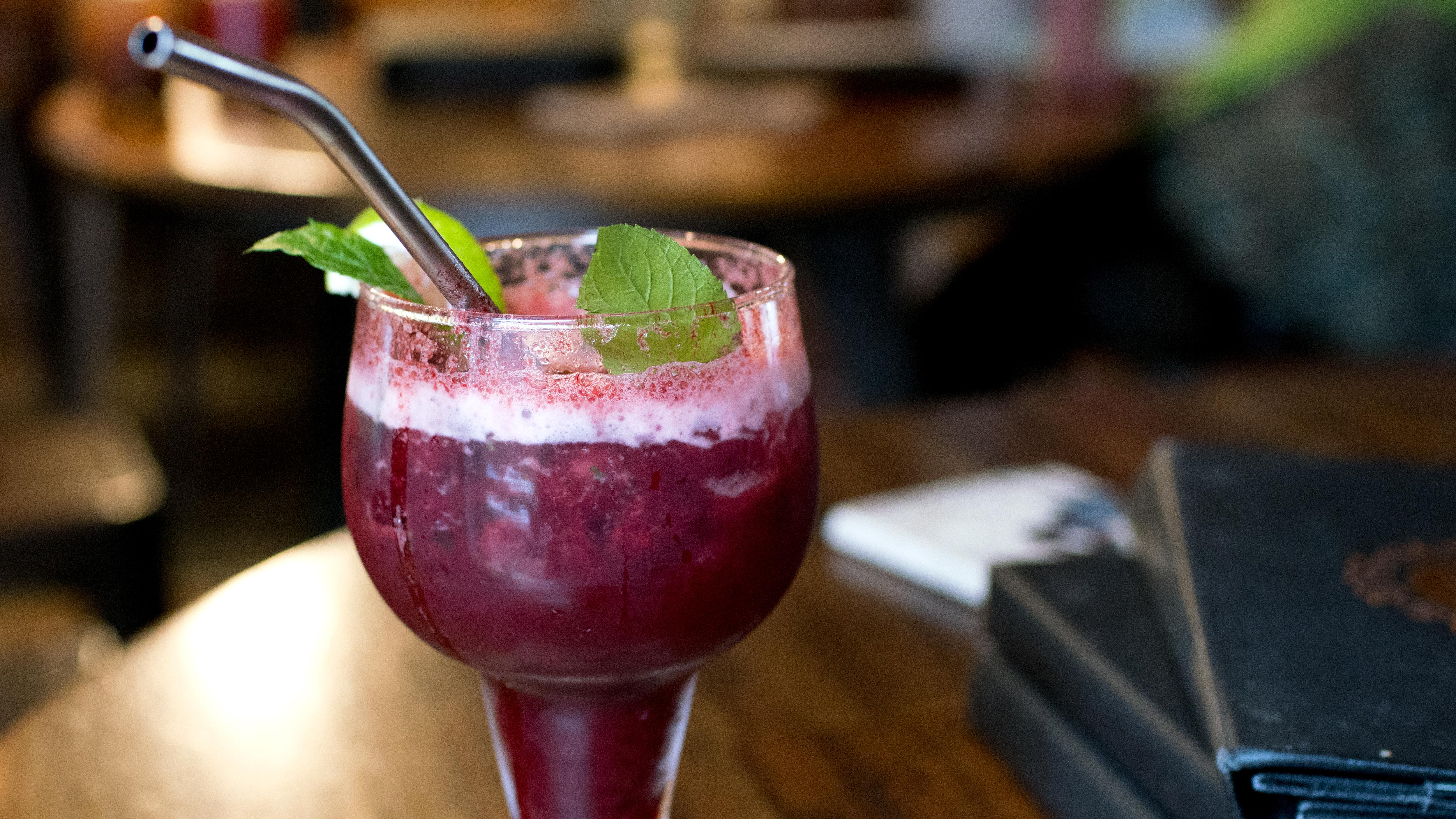 Vena's Fizz House: This bar got famous without alcohol   CNN