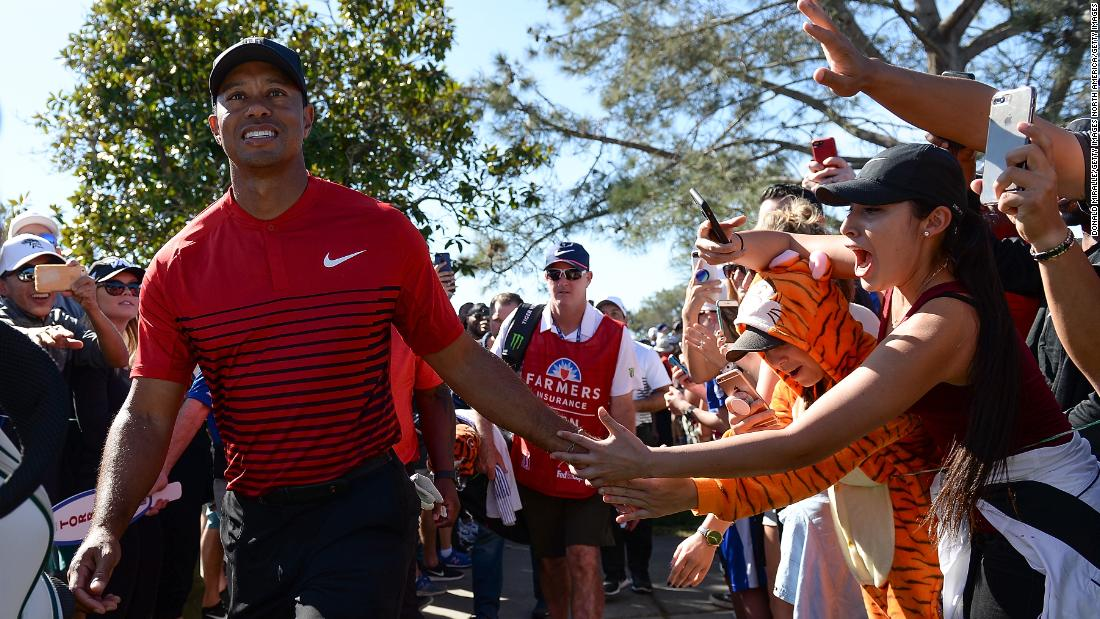 tiger woods   u0026 39 heckler u0026 39  fails to dampen comeback