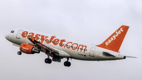 EasyJet bans peanuts on all flights
