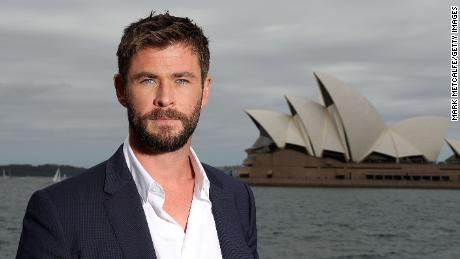 SYDNEY, AUSTRALIA - OCTOBER 15:  Chris Hemsworth poses during a photo call for Thor: Ragnarok on October 15, 2017 in Sydney, Australia.  (Photo by Mark Metcalfe/Getty Images for Disney)