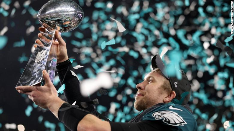 Eagles beat Patriots for first Super Bowl win