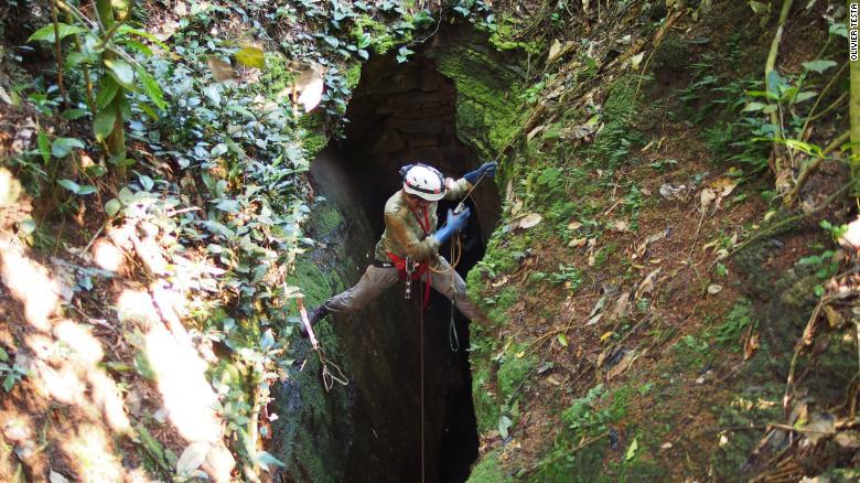 Les grottes d'Abanda au Gabon où les crocodiles orange ont été découvertes