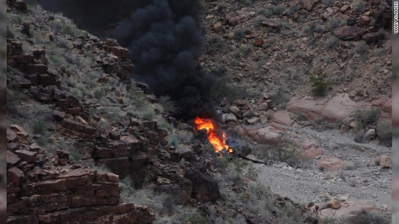 Three die in Grand Canyon helicopter crash