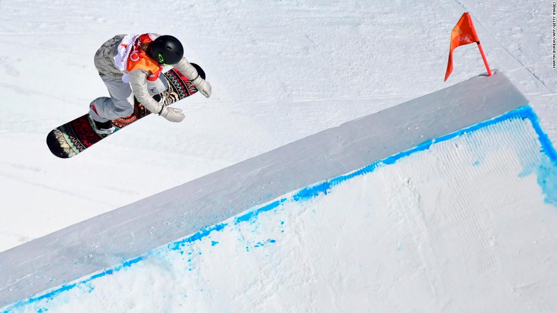 For the second straight Olympics, American snowboarder Jamie Anderson won gold in the slopestyle competition.