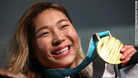 PYEONGCHANG-GUN, SOUTH KOREA - FEBRUARY 13:  Gold medalist Chloe Kim of the United States poses during the medal ceremony for the Snowboard Ladies' Halfpipe Final on day four of the PyeongChang 2018 Winter Olympic Games at Medal Plaza on February 13, 2018 in Pyeongchang-gun, South Korea.  (Photo by Alexander Hassenstein/Getty Images)