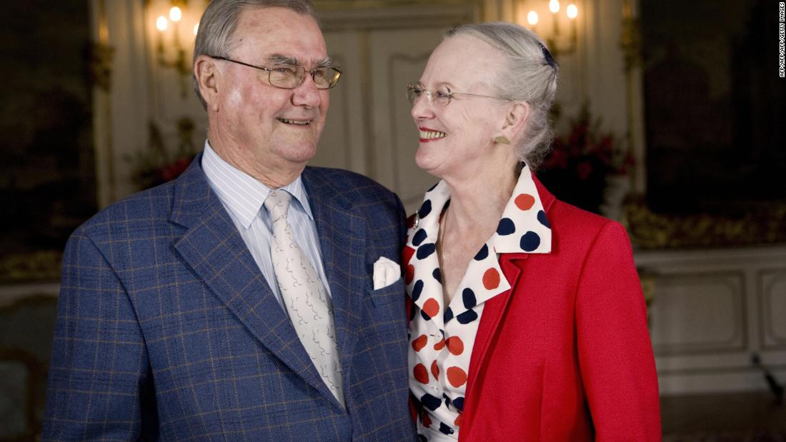 Prince Henrik of Denmark dies, refused to be buried next to his queen