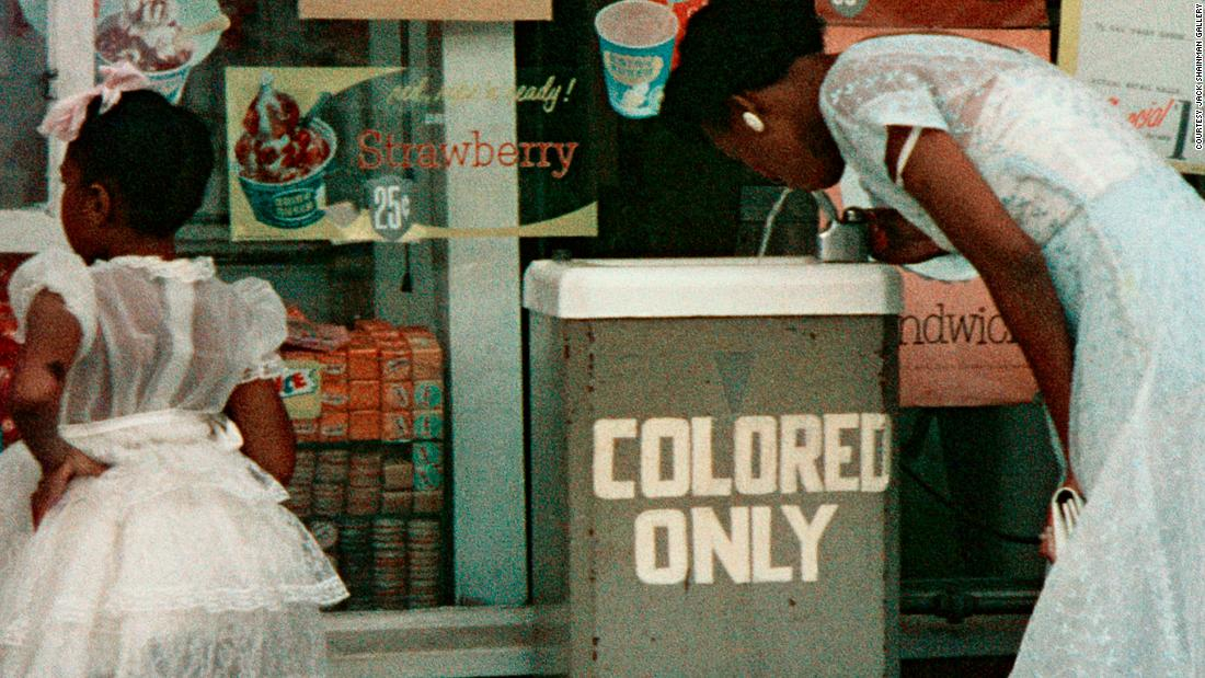 Gordon Parks: Powerful photos capture racism in America