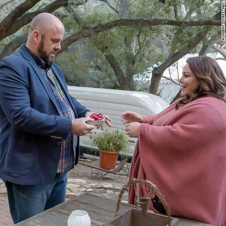 "THIS IS US -- ""The Wedding"" Episode 218 -- Pictured: (l-r) Chris Sullivan as Toby, Chrissy Metz as Kate -- (Photo by: Ron Batzdorff/NBC)"