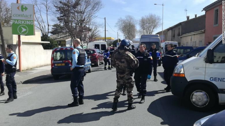 Two dead as suspected IS gunman takes hostages in France