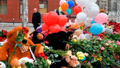 Russia Mourns Victims of Mall Fire in Kemerovo
