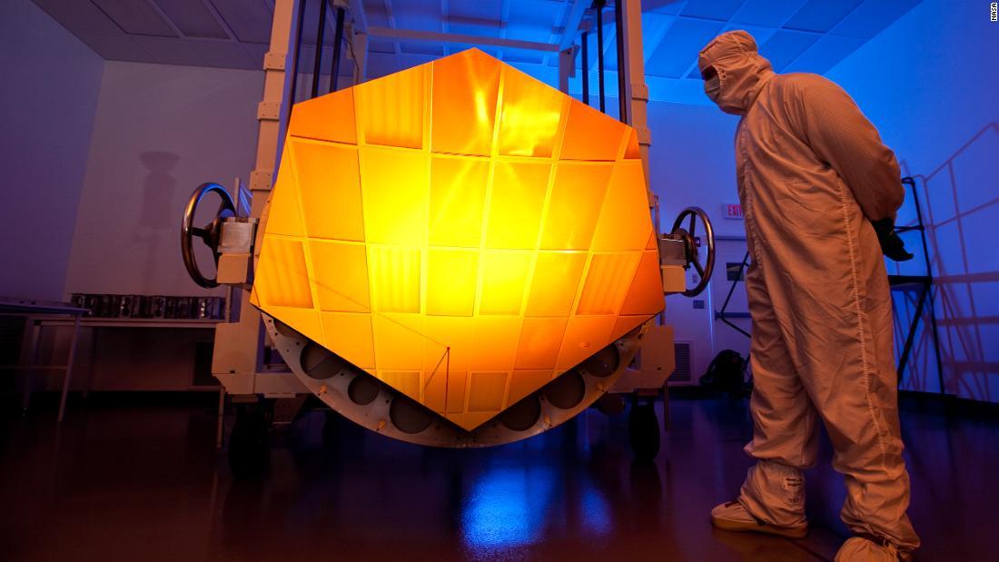 Golden mirror: Inside NASA's new golden space telescope