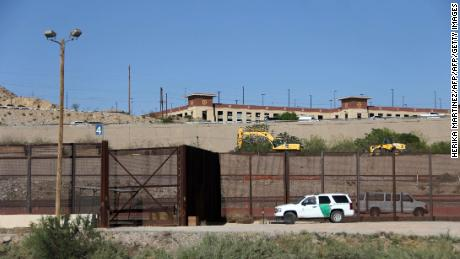 Arizona, New Mexico, Texas sending 1600 Guard members to border