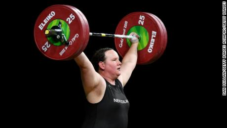Hubbard's first attempt in the snatch was 7kg more than her nearest rival's best attempt.