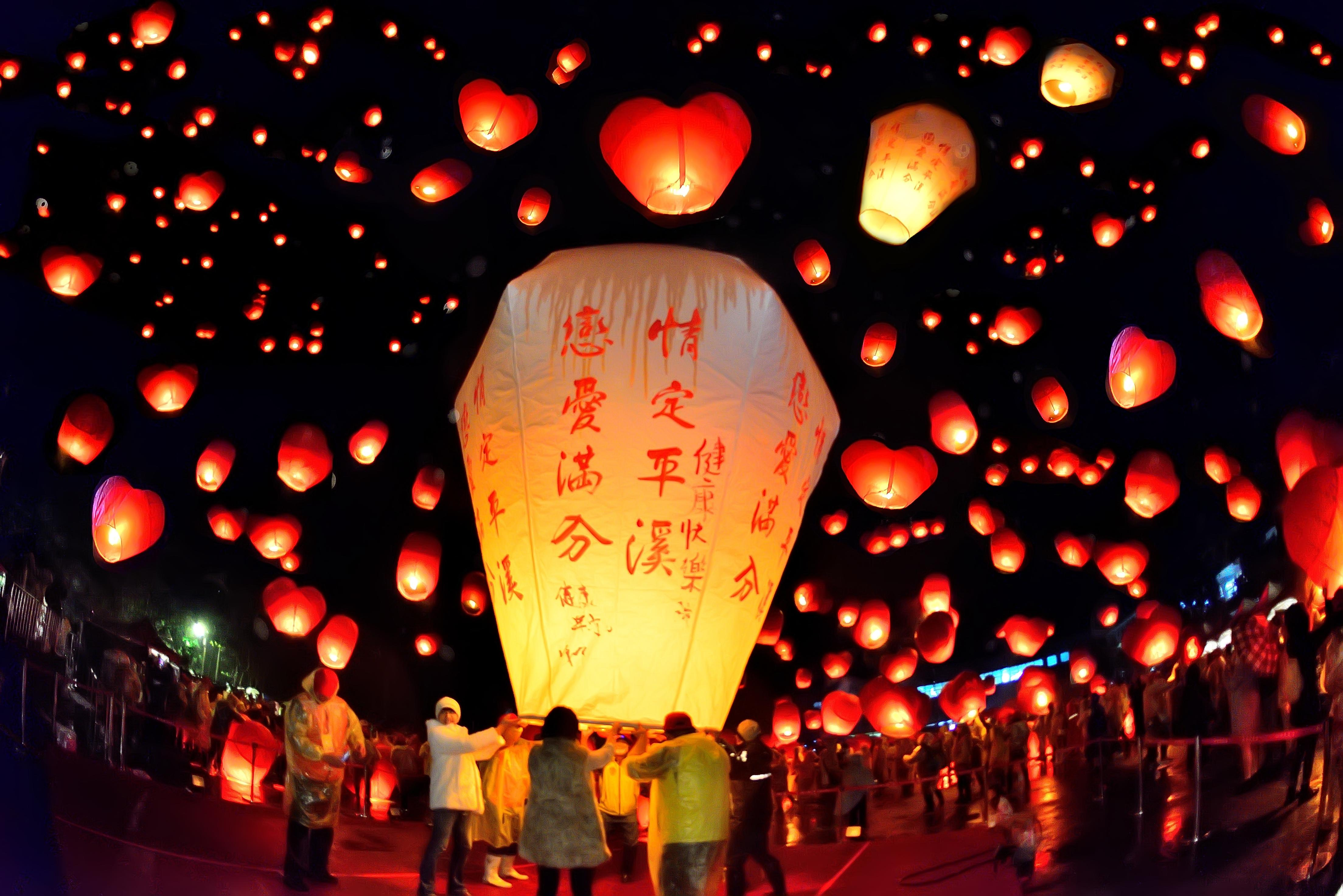 At Pingxi Lantern Festival Wishes Light Up The Taiwan Sky Cnn Travel