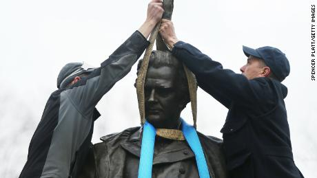 Statue of doctor who experimented on enslaved women removed from Central Park