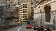 Ricciardo conduce Ferrari-ul Vettel în timpul Marelui Premiu de Formula 1 de la Monaco la Circuitul de Monaco din 27 mai 2018 la Monte-Carlo.