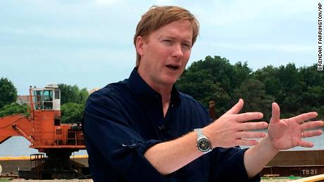 Putnam blasts Times report, but acknowledges office's failure to review background checks