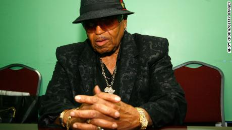 Joe Jackson's grandson tells critics: 'Let us grieve without the nastiness'