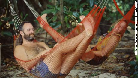 Richard Hatch and Susan Hawk during the first season of 'Survivor' in 2000. (Photo by CBS via Getty Images)
