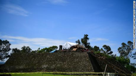 Quake  reveals 1,000-year-old Aztec temple