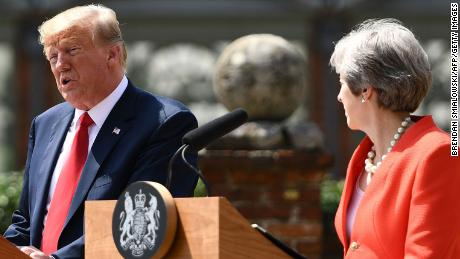 Theresa May dodges Trump criticism question (2018)