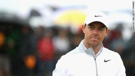 Spieth part of 3-way tie for British lead as Woods lurks