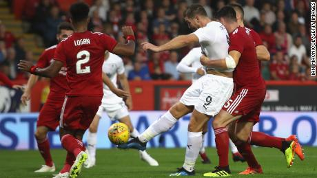 Burnley's Sam Vokes scored the equalizer against Aberdeen in the Europa League tie.