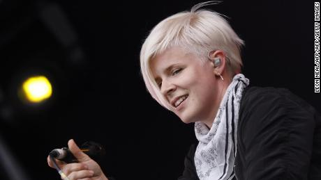 Robyn's new single, 'Missing U', is here